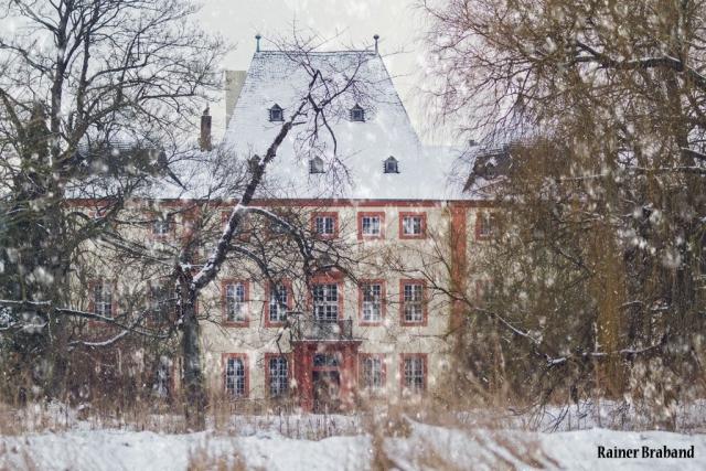 Schloss Bekond Ansicht vom ehemaligen Schlosspark