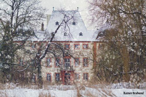 Schloss Bekond Ansicht vom ehemaligen Schlosspark aus.